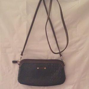 Relic cross body purse / wallet.  Color brown